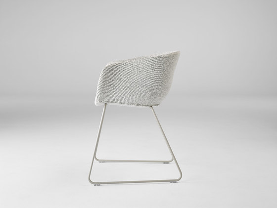 Bai Sled Chair by ONDARRETA | Chairs