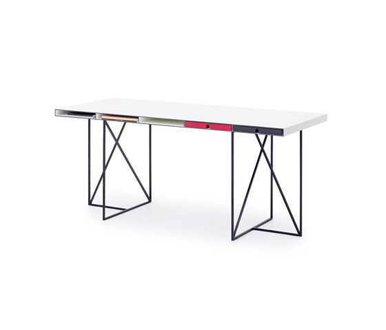 WOGG CARO Desk Moderato by WOGG | Desks