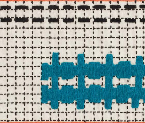Bandas Single Rug E White 18 de GAN | Alfombras / Alfombras de diseño