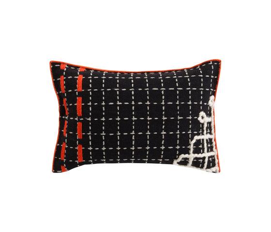 Bandas Cushion D Black 7 de GAN | Cojines