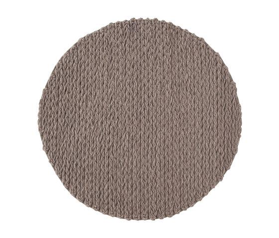 Trenzas Rug Circular Taupe 5 von GAN | Formatteppiche / Designerteppiche