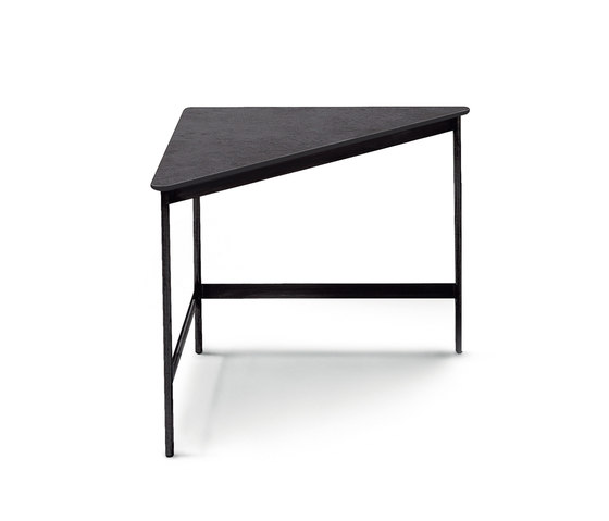 Capilano by ARFLEX | Side tables
