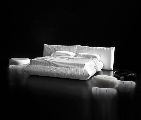 Bellavita Bed de Alberta Pacific Furniture | Camas