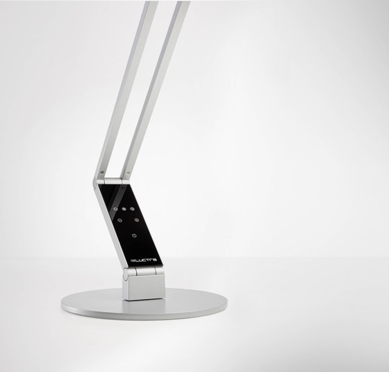 Radial | Table 01 de LUCTRA | Lámparas de trabajo