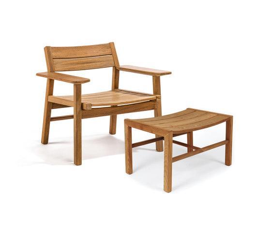 Djurö lounge chair and foot stool by Skargaarden | Armchairs