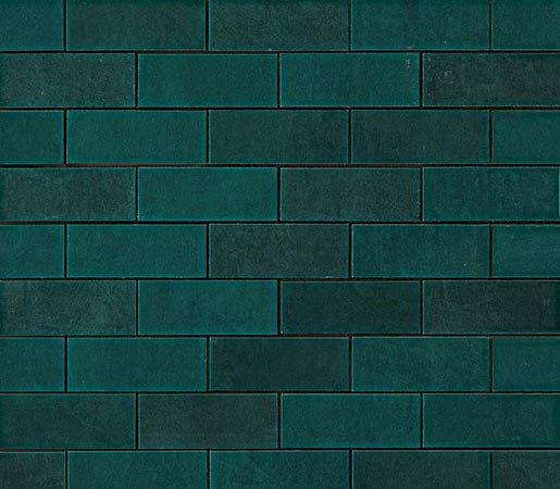 Ewall Petroleum Green Mini Brick di AKDO | Mosaici ceramica