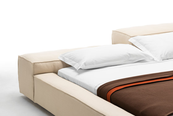 Extrasoft Bed by Living Divani | Double beds