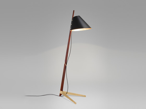 Billy BL Floor Lamp Ilse Crawford Edition di Kalmar | Illuminazione generale