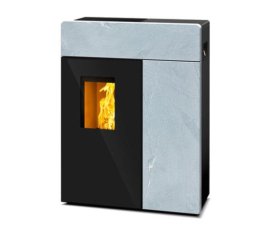 Domo | mit Specksteinmantel von Rika | Kaminöfen