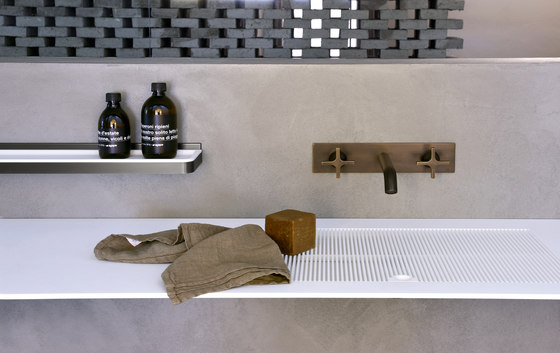 Memory by Agape | Wash basin taps