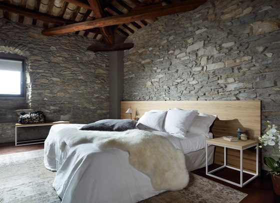 Solid Timber Headboard by Sistema Midi | Bed headboards