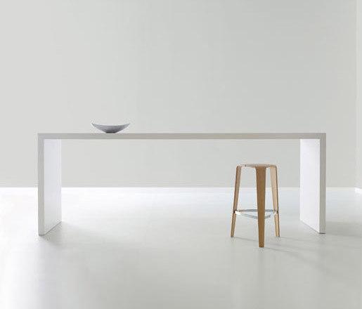 Prat von Davis Furniture | Bartische