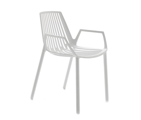 Rion armchair by Fast | Chairs