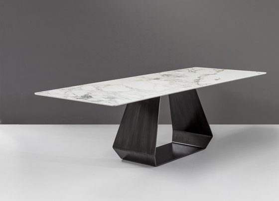 Amond by Bonaldo | Dining tables