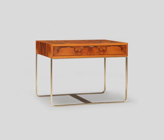 piedmont side table / nightstand de Skram   Tables de chevet