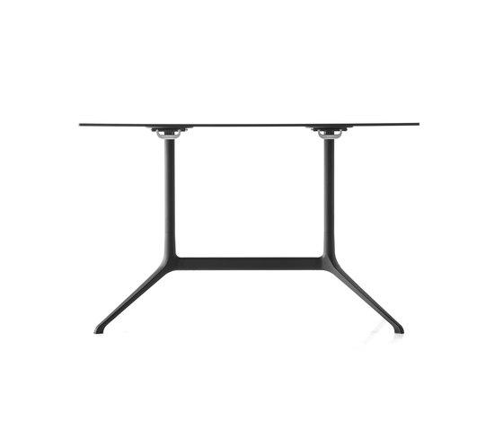 Elephant Tisch von Kristalia   Esstische