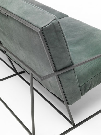 Gotham sofa by Eponimo | Lounge sofas