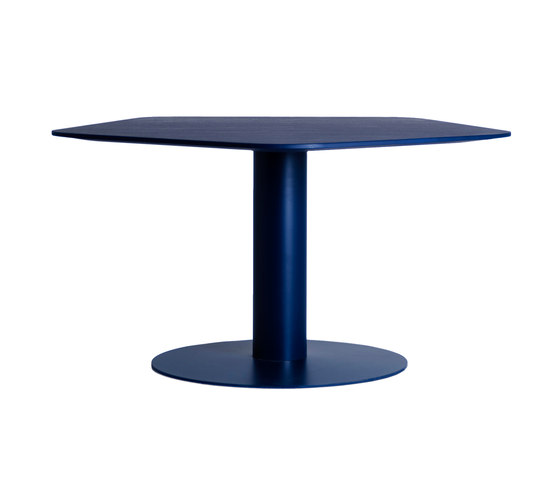Cluster by Mitab | Lounge tables