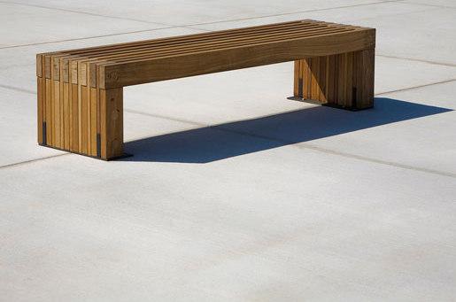 Hudson Bench de Forms+Surfaces® | Bancos