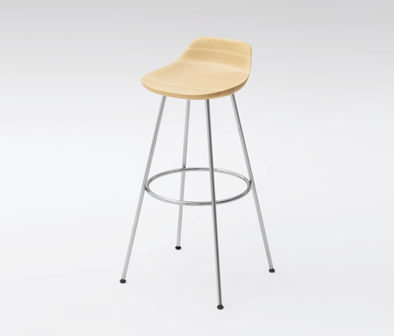 Hiroshima Stool high (wooden seat) di MARUNI | Sgabelli bar