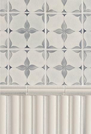 Motif Glazed Ceramic Tile von Pratt & Larson Ceramics | Keramik Fliesen