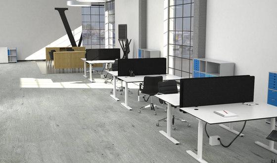 Flow Sit/Stand Desk von Cube Design | Tischpaneele