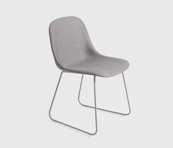 Fiber Side Chair | sled base de Muuto | Chaises