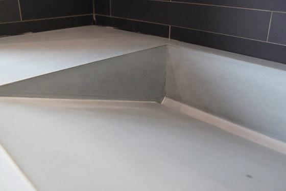 beton badezimmer sichtbeton waschbecken waschtische von concrete home design architonic. Black Bedroom Furniture Sets. Home Design Ideas