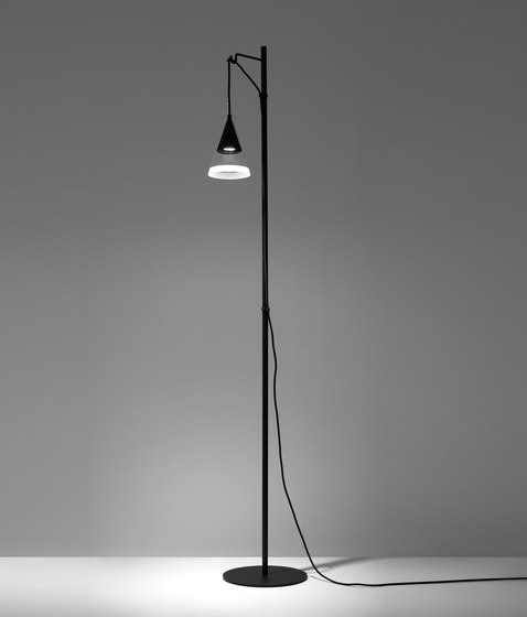 Vigo Floor lamp by Artemide | General lighting