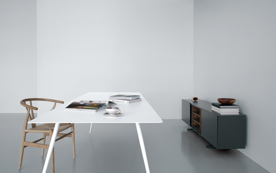 Spillo SP21 by Extendo | Dining tables