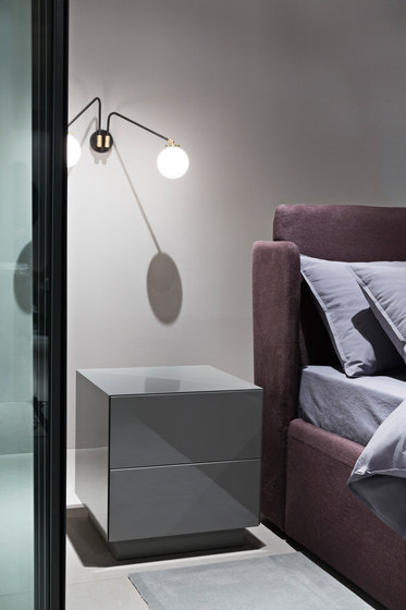 Karl Night table de Meridiani | Mesillas de noche