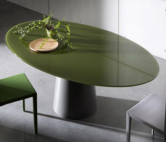 Totem Elliptical von Sovet | Restauranttische