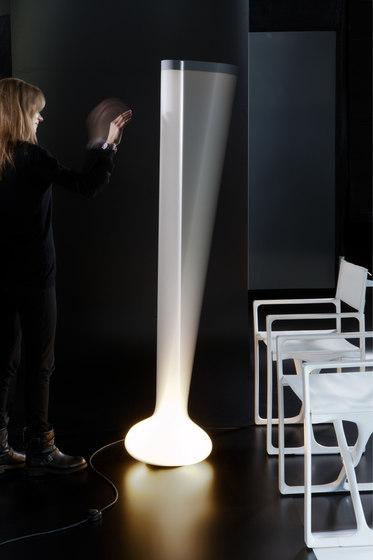 Pin de martinelli luce | Luminaires sur pied