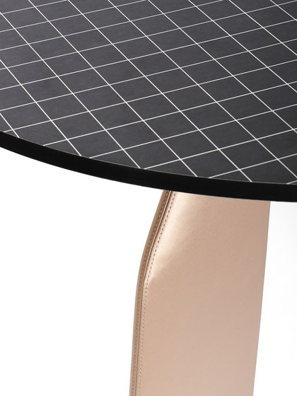 Bavaresk Table by Dante-Goods And Bads | Dining tables