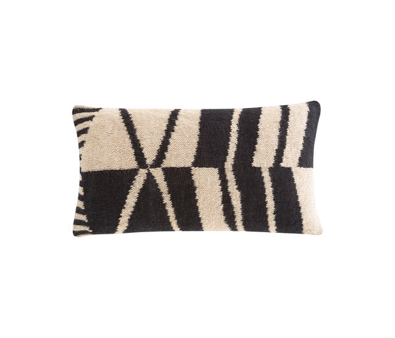 Rustic Chic Geo Cushion 70 Black & White 3 de GAN | Cojines