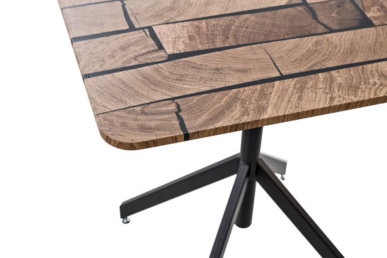 Augusto | square 80 by strasserthun. | Bistro tables