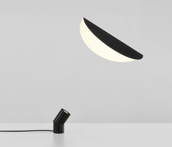 Bounce floor lamp black + small shade black von Roll & Hill | Allgemeinbeleuchtung