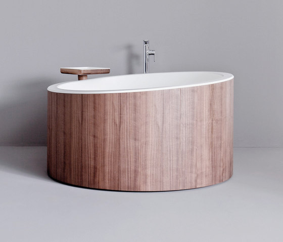 Dressage - Freestanding bathtub in solid wood and Corian® by Graff | Bathtubs
