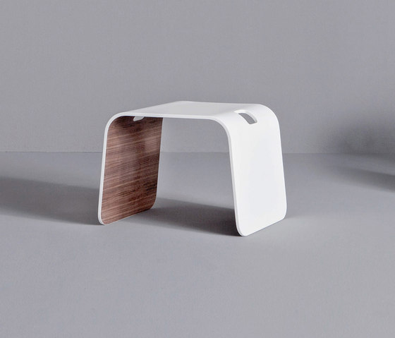 Dressage - Stool in solid wood and Corian® de Graff | Taburetes