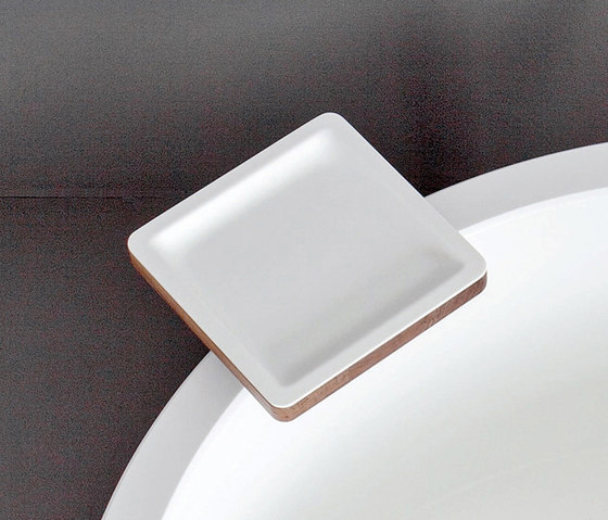 Dressage - Bathtub tray in solid wood and Corian® de Graff | Repisas / Soportes para repisas
