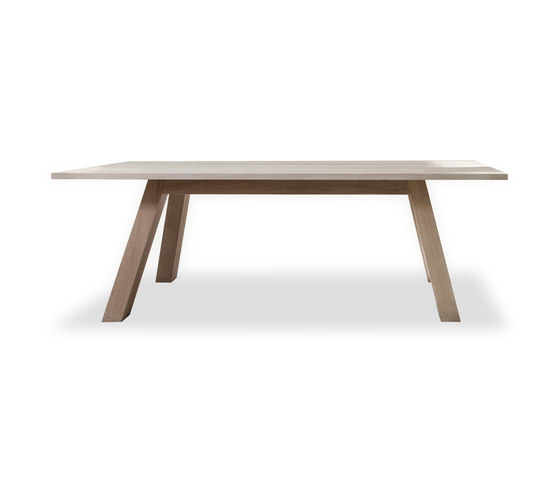 KUUB Tisch by Form exclusiv | Dining tables