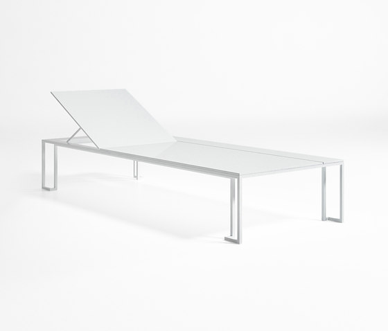 Jian Chaiselongue by GANDIABLASCO | Sun loungers