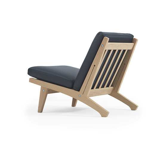 GE 370 Easy Chair by Getama Danmark | Armchairs