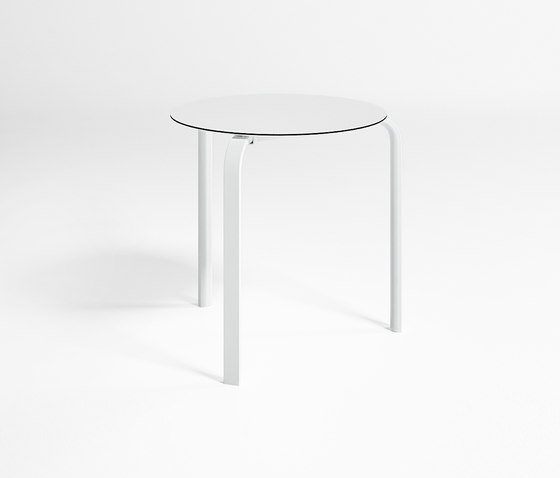 Stack Table Haute Circulaire Empilable de GANDIABLASCO | Tables de repas