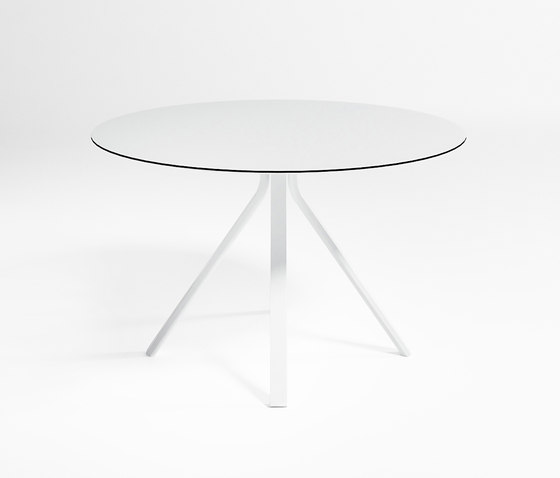 Stack Circular Monopata Dining Table by GANDIABLASCO | Dining tables