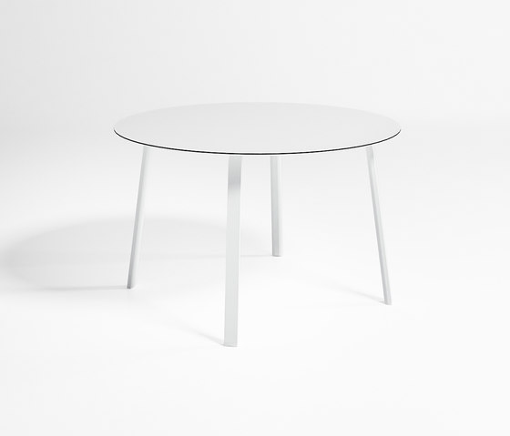Stack High Circular Table by GANDIABLASCO | Dining tables