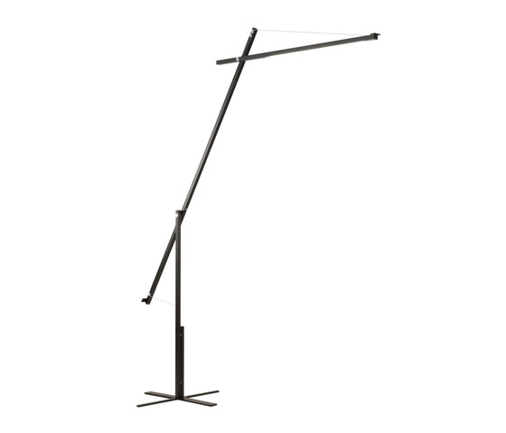 Grue F2000 by &'Costa | Free-standing lights