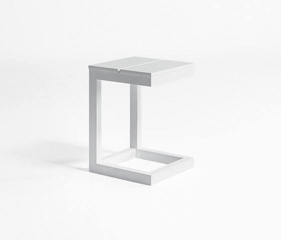 Na Xemena Side Table by GANDIABLASCO | Side tables