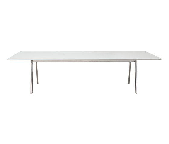 Radial Conference by Andreu World | Contract tables