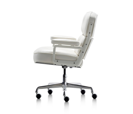 Eames Executive Chair von Herman Miller | Stühle